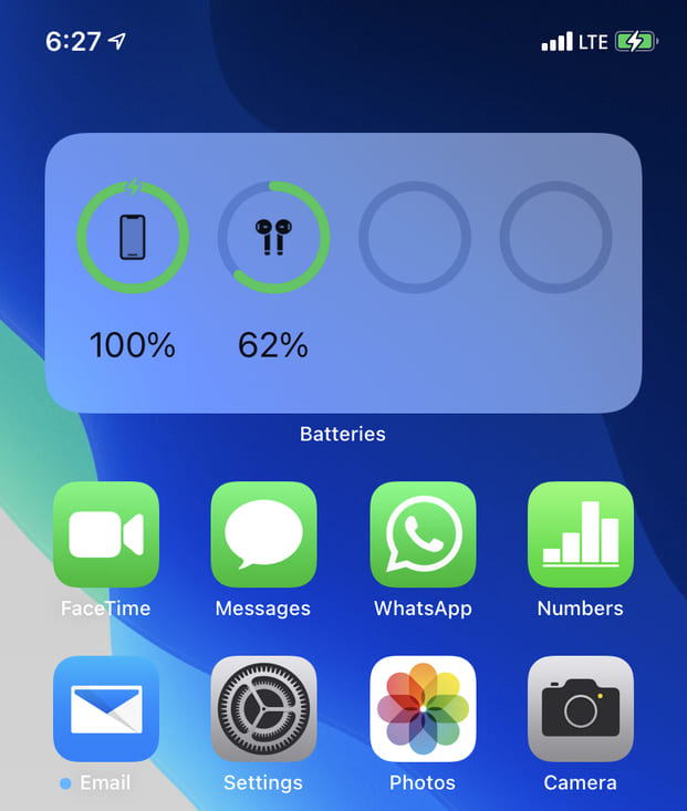 Battery Widget on top of iPhone Home Screen for better organization